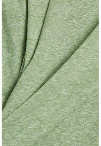 Esprit - PER COO CLOUDY - Basic T-shirt - leaf green - 4