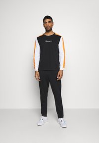 Champion - LONG SLEEVE - Long sleeved top - black - 1