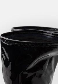Steve Madden - VAVA - Kozačky na vysokém podpatku - black - 4