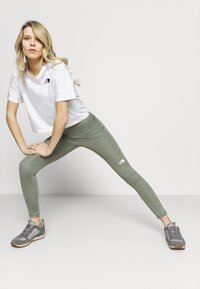The North Face - W FLEX HIGH RISE TIGHT - EU - Leggings - agave green