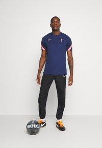 Nike Performance - TOTTENHAM HOTSPURS - Fanartikel - binary blue/lava glow - 1