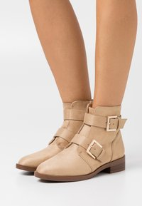Even&Odd - Classic ankle boots - cognac - 0