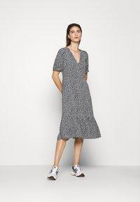 Moss Copenhagen - LAURALEE RAYE DRESS - Denní šaty - dark blue - 0