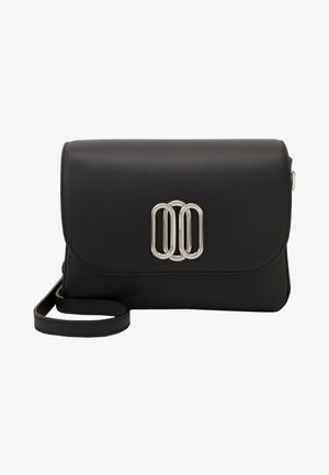 PIPER SADDLE - Across body bag - black
