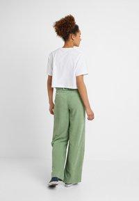 Ellesse - FIREBALL - T-shirts print - white - 2