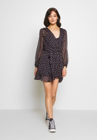 Forever New - WRAP DRESS WITH DITSY FLORAL PRINT - Kjole - black - 1