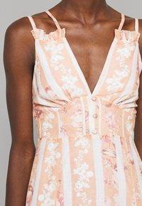 Hope & Ivy Tall - Maxi šaty - offwhite/orange - 5