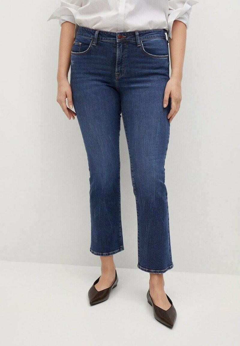 Violeta by Mango - MARTINA - Bootcut jeans - dark blue