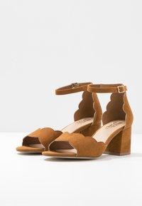 Bullboxer - Sandals - hazel - 4