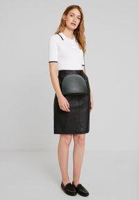 Oakwood - ENORA - Pouzdrová sukně - black - 1