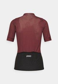 POC - ESSENTIAL ROAD LOGO - Maglia da ciclista - propylene red/dark propylene red - 6