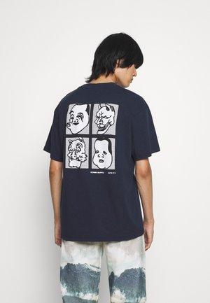 HOKUSAI NOH MASK - Print T-shirt - navy blazer