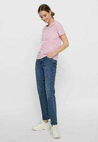 Vero Moda - PAULA  - Camiseta básica - pastel lavender - 1