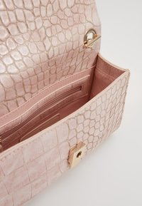 Valentino Bags - AUDREY - Borsa a tracolla - rose - 3
