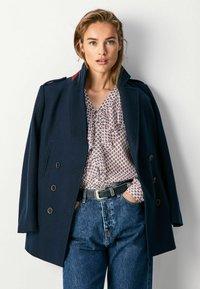 Pepe Jeans - DANIELA - Short coat - dulwich schwarz - 0