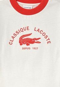 Lacoste - Print T-shirt - flour/redcurrant bush - 2