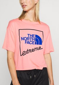 The North Face - EXTREME CROP TEE - Print T-shirt - miami pink - 5