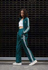 adidas Originals - ADICOLOR 3 STRIPES CROPPED TANK - Top - white - 4