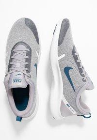 Nike Performance - FLEX EXPERIENCE RN  - Minimalist running shoes - atmosphere grey/blue force/off noir/platinum tint - 1
