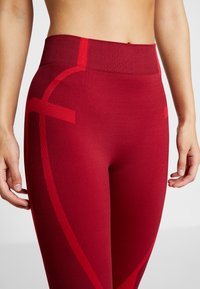 South Beach - COLOURBLOCK SEAMLESS LEGGING - Tights - red - 5