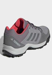 adidas Performance - TERREX HYPERHIKER LOW LEATHER HIKING SHOES - Trekingové boty - grey - 3