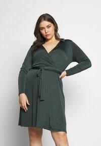 Anna Field Curvy - Jersey dress - dark green - 0