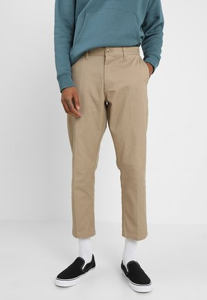 STRAGGLER FLOODED PANTS - Broek - khaki