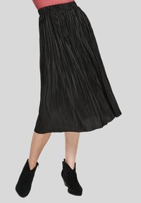 s.Oliver - Pleated skirt - black - 3