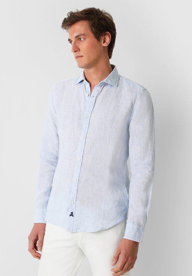 STRIPED LINEN SHIRT - Overhemd - skyblue