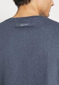 GANT - LOCKER LOOP POCKET - T-shirt - bas - indigoblue melange - 4