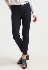 Banana Republic - SLOAN SOLIDS - Trousers - true navy - 0