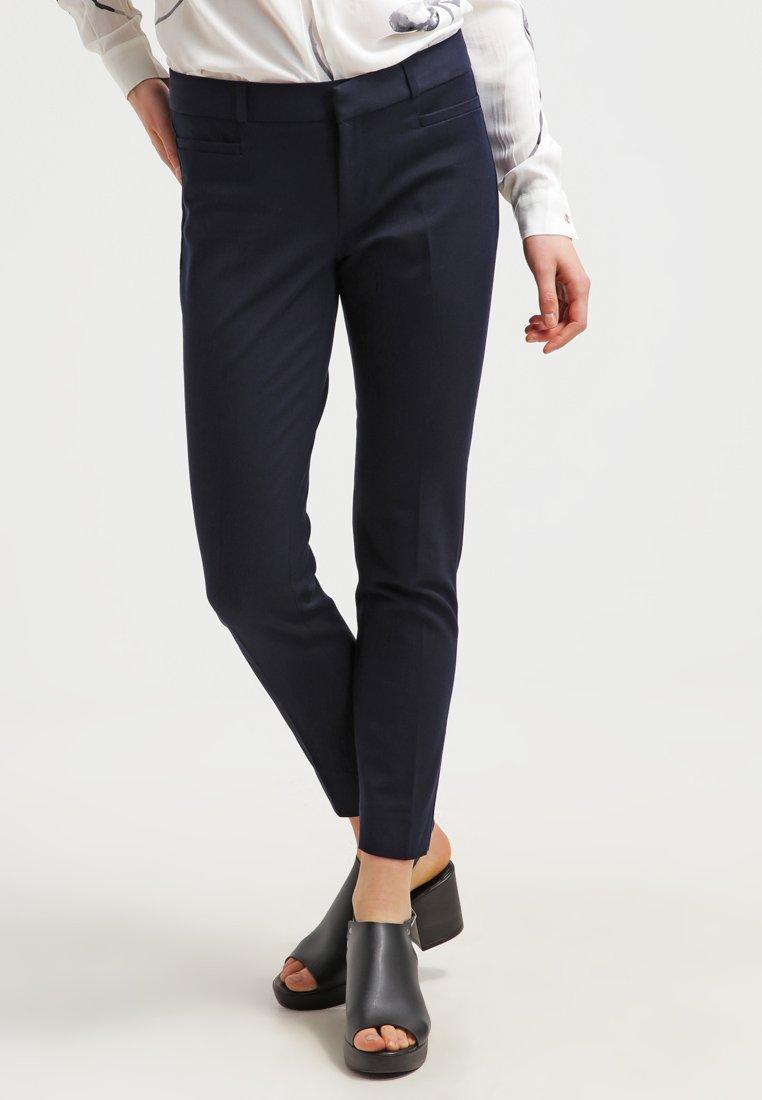 Banana Republic - SLOAN SOLIDS - Trousers - true navy