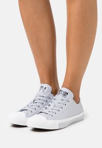 Converse - CHUCK TAYLOR ALL STAR MONO METAL - Trainers - gravel/black/white - 0