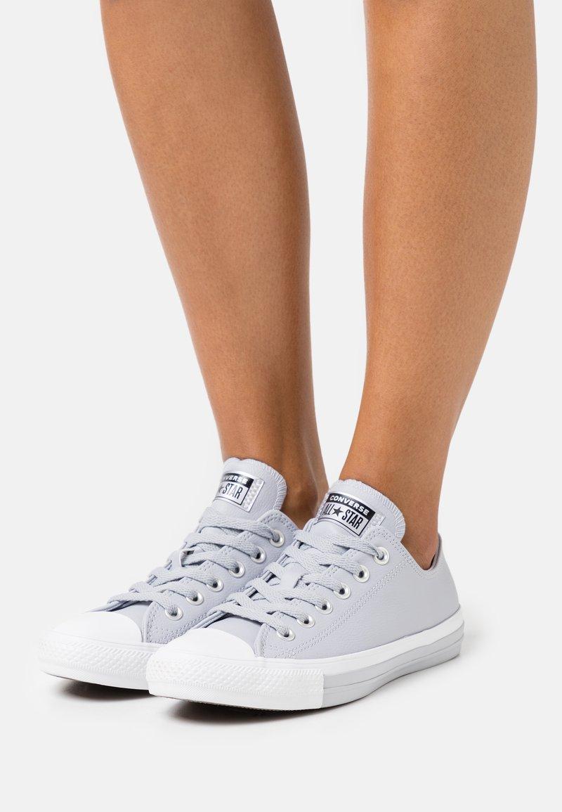 Converse - CHUCK TAYLOR ALL STAR MONO METAL - Trainers - gravel/black/white