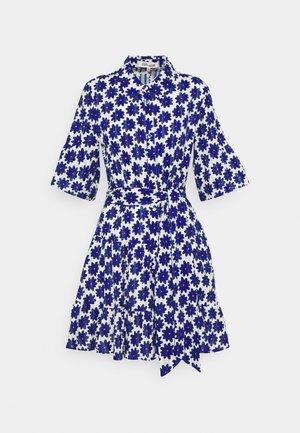 BEATA DRESS - Skjortekjole - true blue