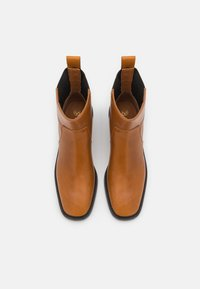 Tory Burch - CHELSEA BOOT - Classic ankle boots - bonnie brown/perfect black - 4