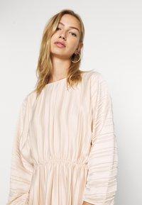NA-KD - PLEATED OPEN BACK DRESS - Day dress - light pink - 3