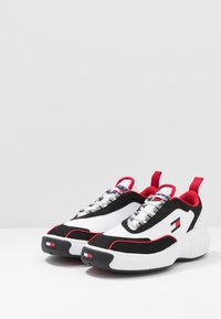 Tommy Jeans - HERITAGE ICON  - Sneakers - white - 2