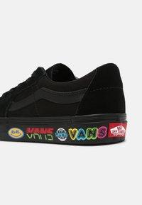 Vans - SK8 UNISEX - Skate shoes - black - 6
