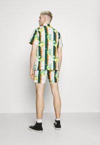 Karl Kani - CHEST SIGNATURE RESORT - Shirt - white - 2