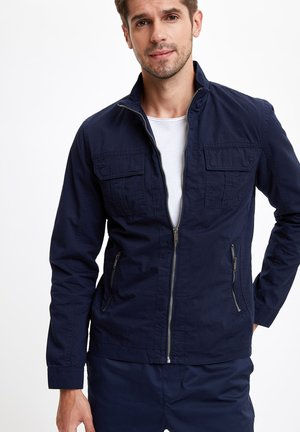 DEFACTO MAN LIGHT JACKET NAVY - Light jacket - navy