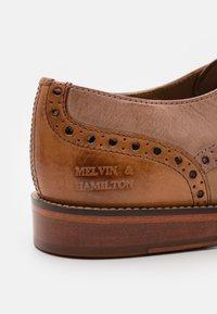 Melvin & Hamilton - MARTIN 15 - Šněrovací boty - mid brown - 5