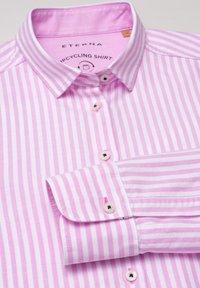 Eterna - MODERN CLASSIC - Button-down blouse - rosa/weiß - 1