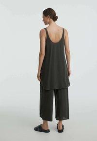OYSHO - Pantalon classique - dark grey - 2