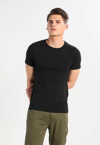 Jack & Jones - NOOS - Basic T-shirt - black - 0