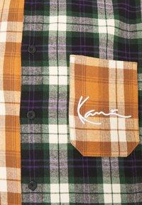 Karl Kani - SMALL SIGNATURE BLOCK UNISEX  - Košile - black - 6