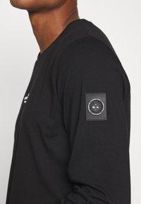 Marshall Artist - SIREN - Langærmede T-shirts - black - 5