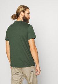 Peak Performance - RIDER TEE - Print T-shirt - drift green - 2