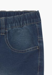 Benetton - BERMUDA - Denim shorts - blue denim - 4