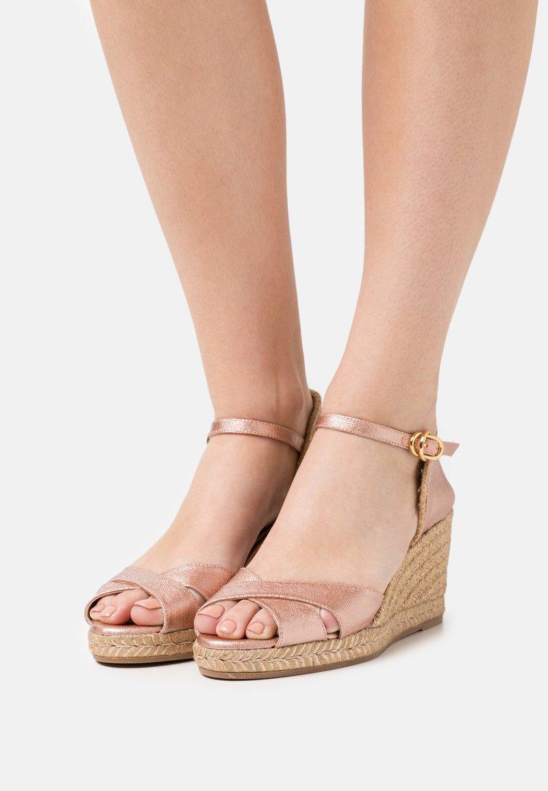 Stuart Weitzman - MIRELA - Korkeakorkoiset sandaalit - rose gold